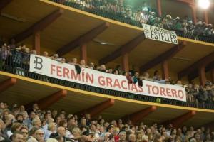 El Club Taurino Estellés desplegó su pancarta en el coso de Zaragoza.