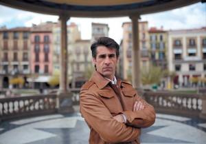 Francisco Marco en el quiosco de la Plaza del Castillo de Pamplona. Fotografía: Javier Sesma.