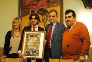 Diego Ventura fue agasajado ayer en el Club Cocherito de Bilbao.