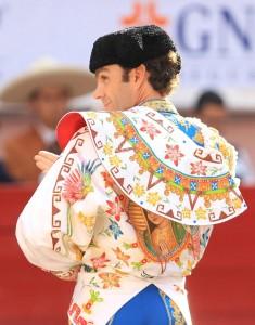 José Tomás en México. Saludo previo al paseíllo.