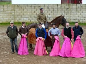 De izda. a dcha., José Antonio Baigorri, Javier Marín, El Luri, Juan Manuel Sangüesa a caballo, Francisco Expósito, Paco Ramos y Asier Campos.