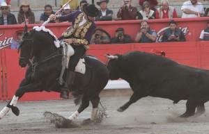 El caballero navarro, en Apizaco, recibió a su primero con 'Gento'.