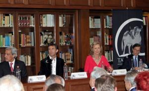 De izda. a dcha., Juan Antonio de Labra, Pablo Hermoso de Mendoza, Lourdes Ariza y Emilio Vilanova.