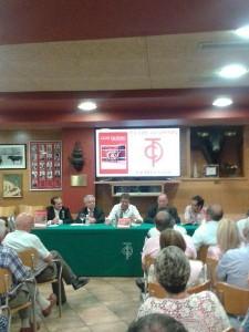 El Club Taurino de Pamplona durane la presentación de la revista anual del año pasado.