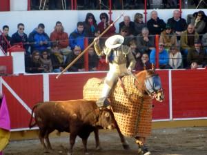 Rafael Agudo fue aplaudido tras picar al toro que abrió plaza.