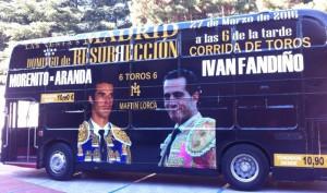 Autobús publicitario del mano a mano en Las Ventas del 27 de marzo.