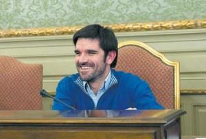 Eneko Larrarte, alcalde de Tudela, en el Salón de Plenos de este ayuntamiento.