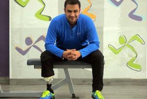 Jorge Mata en el gimnasio donde lleva a cabo ejercicios de rehabilitación.