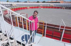 Juan Luis Ruiz, hace tres años, en la plaza portátil que instaló en Noain.