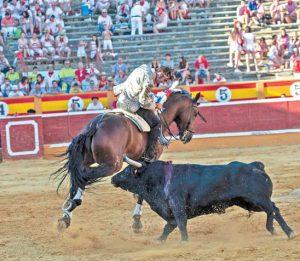 Con los ceñidos quiebros de 'Ranchero', Armendáriz conquistó los tendidos tudelanos. Fotografía: Blanca Aldanondo.