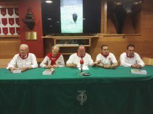 De izda. a dcha., Vidal Pérez Hererro, Antonio Purroy, Juan Ignacio Ganuza, Julián Agulla y Domingo Delgado de la Cámara.