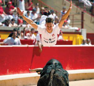 Salto de Javier Pradanas en la final del concurso de recortes