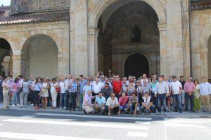 Los aficionados taurinos navarros en la ermita La Antigua de Zumárraga.