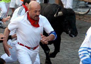 Julen Madina, en uno de los encierros de San Fermín, en su última época como corredor.