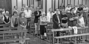 Un momento de la eucaristía en memoria de Víctor Barrio. Fotografía: Garzaron.