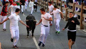 En el encierro de esta mañana se han podido apreciar bonitas carreras. Fotografía: Ablerto Galdona.