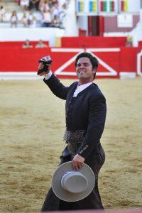 A:ALBERTO GALDONA F:06-09-2016 L:PERALTA P:TORO 3 T:FIESTAS DE PERALTA - CORRIDA DE REJONES