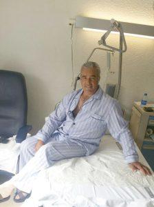 Eulogio Mateo, ayer en la habitación del García Orcoyen donde permanece ingresado.