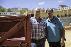 Jesús Macua y Juan Luis Ruiz en la plaza de toros de Tudela.