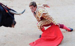 Desplante de El Juli en la pasada Feria de San Fermín, en la que se impuso a un lote de Victtoriano del Río y volvió a salir a hombros.
