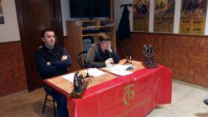 Santiago Campo y Juan Antonio Burdaspar, presidente y secretario respectivamente del Club Taurino de Peralta durante la asamblea de hoy.