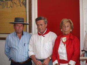 Fernando Pizarro, José María Marco y Dolores Aguirre en un apartado de Pamplona en 2012.