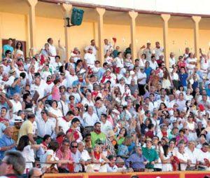 Aspecto que presentó el tendido de sombra de la plaza de Tudela el pasado 25 de julio.