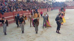 Saludos tras el paseíllo hoy en el festival de Ciudad Rodrigo. Fotografía: Aplausos.es