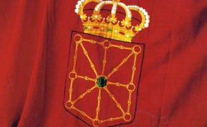 La bandera de Navarra, la misma que une y representa a los habitantes de un territorio de multisecular tradición taurina.