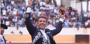 El caballero navarro rubricó un triunfo redondo en su vigesimoquinta actuación en Juriquilla.