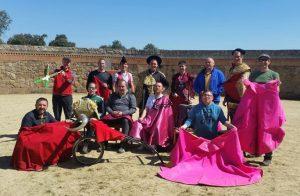 Los mulilleros de Sangüesa en la plaza de toros de El Torreón.