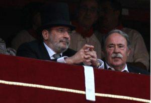 El palco presidencial de Pmaplona hace unos seis o siete años. De presidente, Iñaki Cabasés, y de asesor, Ignacio Usechi.