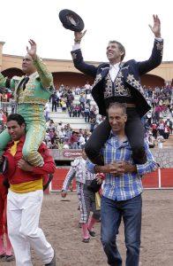 El caballero navarro consiguió en Jerez su tercera puerta grande consecutiva.