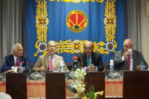 Palomo Linares, primero por la izquierda, junto a Antonio Purroy, Adolfo Martín y Borja Domecq, el pasado mes de febrero en la Universidad Pública de Navarra.
