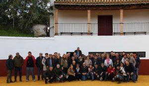 Los aficionados de Arguedas, en la plaza de tientas de Dolores Aguirre.