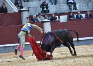 Con esta estocada ha terminado Javier Marín su actuación en lLas Ventas. Fotografía: Luis Sánchez Olmedo.