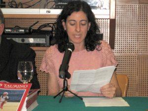 Begoña Pro durante su presentación sobre los toros y la Edad Media. Fotografía: Miguel Monreal.