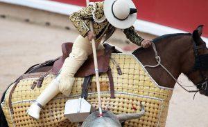 Tres picadores han sido denunciados por tapar la salida al toro.