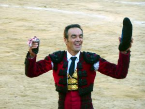 El Cid se presentó en Tafalla y consiguió la única oreja de la tarde. Fotografía: Miguel Monreal.