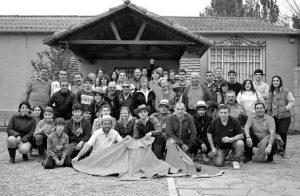 Los socios del Club Taurino de Valtierra que disfrutaron de una jornada festiva en la finca El Montecillo de Milagro. Fotografía:  E. M.