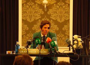 Un momento de la rueda de prensa que ha ofrecido Juan José Padilla en Sevilla. Fotografía: Arjona.