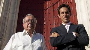 Juan Silveti con su nieto, el también torero Diego Silveti.
