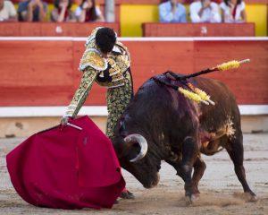 Derechazo de López Simón el pasado 12 de julio a su primero toro de Victoriano del Río.
