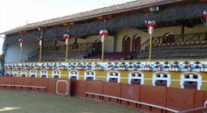 Panorámica del interior de la plaza de toros de Mugron.