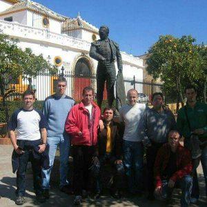 Los mulilleros de Sangüesa ante la Maestranza de Sevilla.