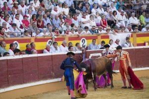 Las corridas de toros de la Feria de Santa Ana siguen interesando a miles de tudelanos.