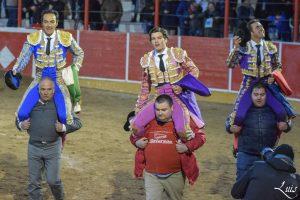 Los tres matadores de toros salieron a hombros en Cintruénigo.