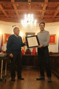 JOSE A. CUEVA Y ARMANDO SANCHO socio Honor