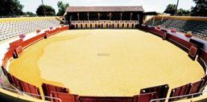 La plaza de toros de Mugron, de tercera categoría, tiene una capacidad para 2.400 espectadores.