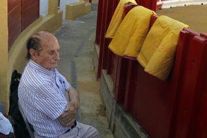 Ángel Peralta, hace casi cinco años, en el callejón de la plaza de Peralta. Fotografïa: Javier Sesma.